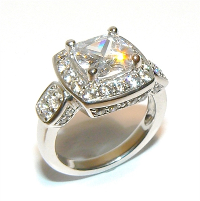 BAGUE CARREE SOLITAIRE ACCOMPAGNE